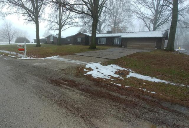 973 W Lake Terrace, CARLYLE, IL 62231 (#19001571) :: The Kathy Helbig Group