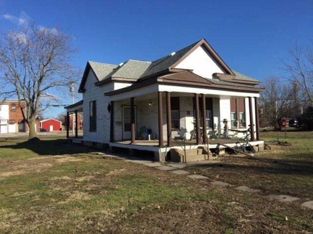 301 E 1st South Street, MOUNT OLIVE, IL 62069 (#19002193) :: Walker Real Estate Team