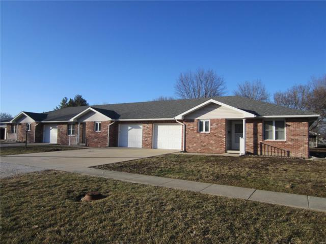 302 E Sycamore Street, Carrollton, IL 62016 (#19010009) :: The Kathy Helbig Group