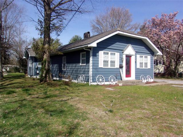 807 N Main, BENTON, IL 62812 (#19024254) :: Matt Smith Real Estate Group