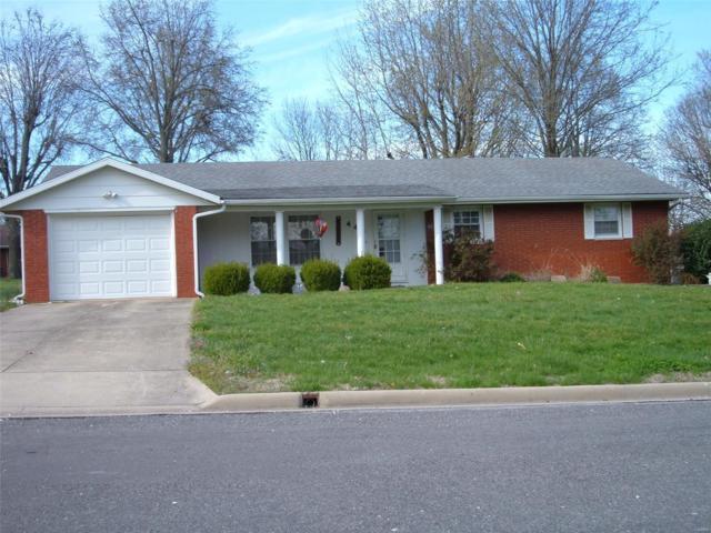 445 E Park Lane, NASHVILLE, IL 62263 (#19025705) :: The Becky O'Neill Power Home Selling Team