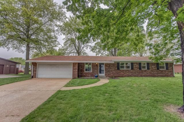 135 Lakeland Hills, Fairview Heights, IL 62208 (#19028902) :: The Becky O'Neill Power Home Selling Team
