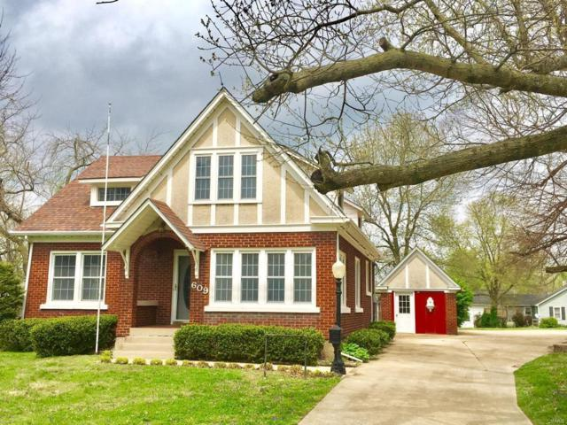 609 Dorris Street, Mountain Grove, MO 65711 (#19031010) :: The Kathy Helbig Group