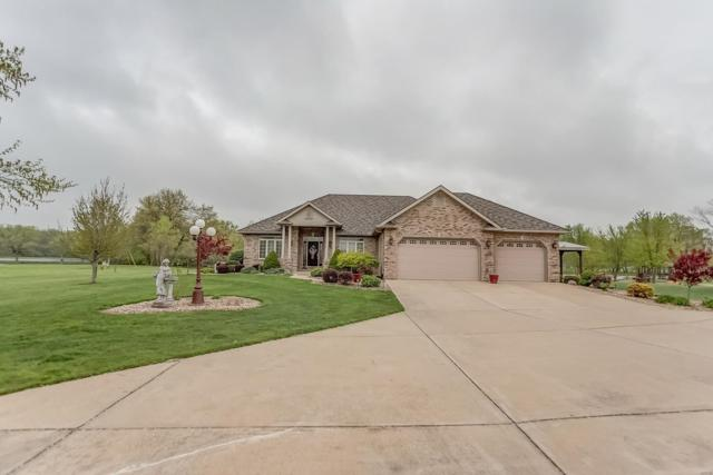 84 Della Lane, STAUNTON, IL 62088 (#19031238) :: The Becky O'Neill Power Home Selling Team
