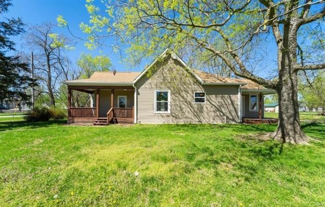 381 Walnut Street, Hawk Point, MO 63349 (#19031378) :: The Becky O'Neill Power Home Selling Team