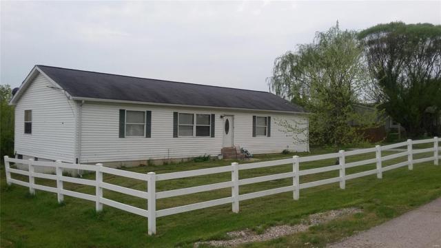260 Blake Boulevard, Elsberry, MO 63343 (#19031656) :: The Becky O'Neill Power Home Selling Team