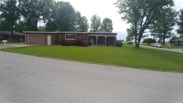 1110 Monroe Street, CARLYLE, IL 62231 (#19035129) :: The Becky O'Neill Power Home Selling Team