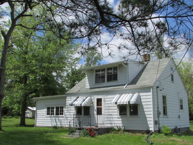 5301 Humbert Road, Alton, IL 62002 (#19035680) :: Hartmann Realtors Inc.