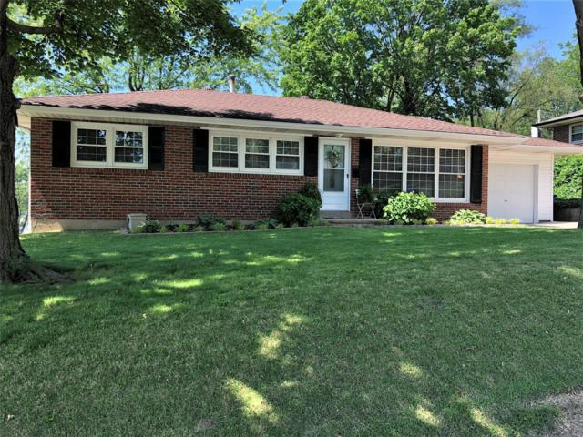1001 Hillcrest Place, Saint Charles, MO 63301 (#19036348) :: The Becky O'Neill Power Home Selling Team