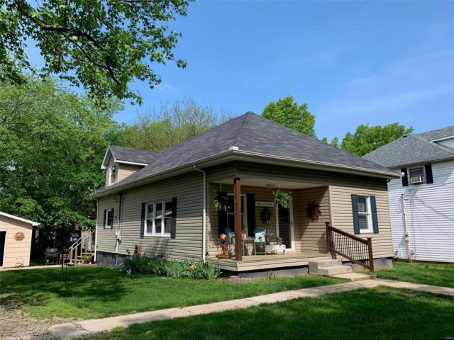 829 Taylor, Greenville, IL 62246 (#19036620) :: The Becky O'Neill Power Home Selling Team