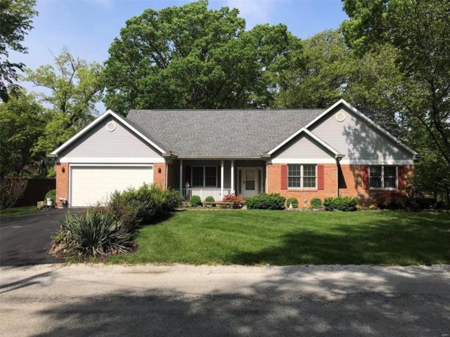 1 Old Oaks Drive, Hillsboro, IL 62049 (#19036927) :: Ryan Miller Homes