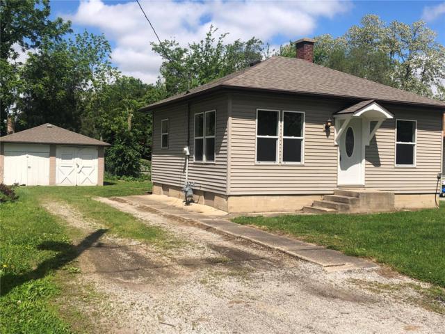 828 Freeland Avenue, Hillsboro, IL 62049 (#19037501) :: Ryan Miller Homes