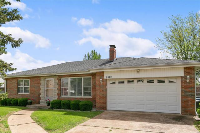 9738 Grantview Drive, St Louis, MO 63123 (#19038121) :: The Becky O'Neill Power Home Selling Team