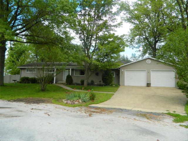 1237 Halls Lane, Hillsboro, IL 62049 (#19038582) :: Fusion Realty, LLC