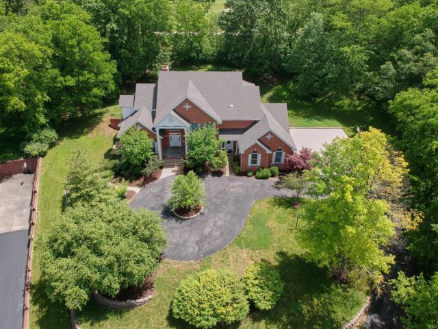 66 Meadowbrook Country Club Est, Ballwin, MO 63011 (#19038632) :: The Kathy Helbig Group