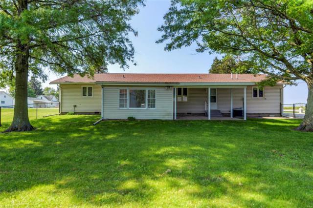 224 W Oak, WITT, IL 62094 (#19040911) :: Ryan Miller Homes