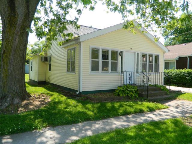 306 S Maple Street, NOKOMIS, IL 62075 (#19040958) :: Clarity Street Realty