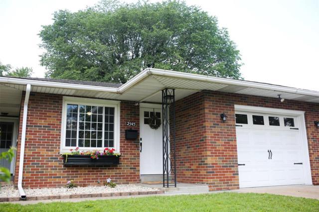 2545 Benton Avenue, Granite City, IL 62040 (#19043570) :: RE/MAX Vision