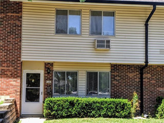 9181 Villaridge Court, St Louis, MO 63123 (#19044548) :: The Becky O'Neill Power Home Selling Team