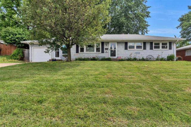 1922 Gallaher Avenue, Saint Charles, MO 63301 (#19044715) :: The Kathy Helbig Group