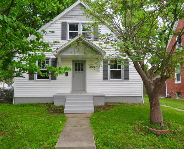 1417 14th Street, Highland, IL 62249 (#19044980) :: The Kathy Helbig Group