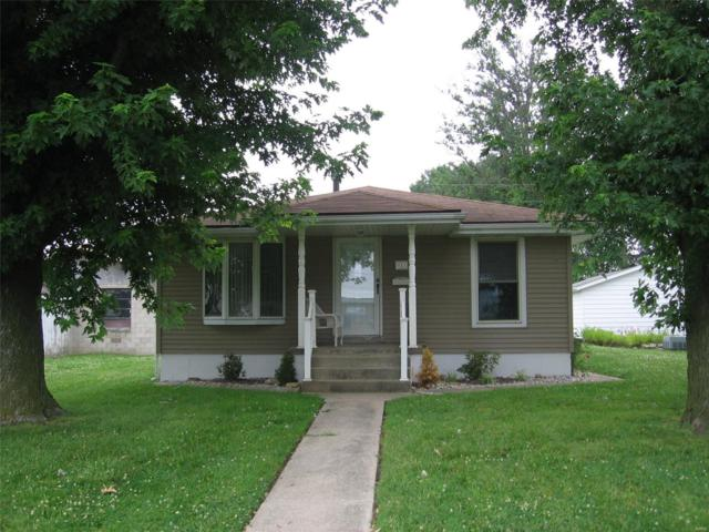 911 Deal Street, Highland, IL 62249 (#19045005) :: The Kathy Helbig Group