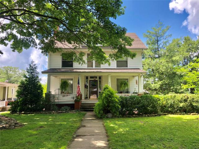 710 St Louis Street, Hillsboro, IL 62049 (#19047072) :: RE/MAX Professional Realty
