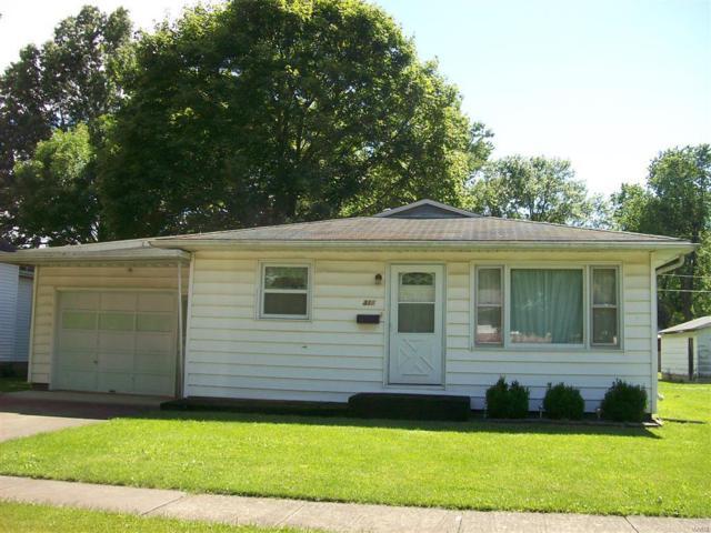 311 N Cedar Street, NOKOMIS, IL 62075 (#19047479) :: Clarity Street Realty