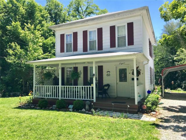 8 Vawter Street, Hillsboro, IL 62049 (#19048117) :: RE/MAX Professional Realty