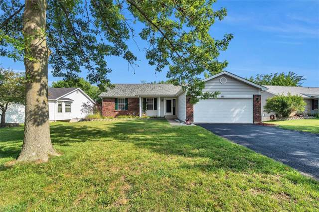 5841 Walnut Creek Boulevard, Saint Charles, MO 63304 (#19050389) :: The Becky O'Neill Power Home Selling Team