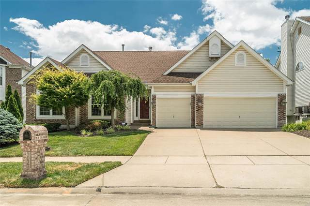 1037 Speckledwood Manor Court, Chesterfield, MO 63017 (#19050839) :: The Kathy Helbig Group