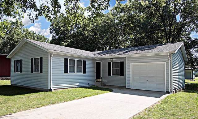 650 23rd Street, CARLYLE, IL 62231 (#19051254) :: The Becky O'Neill Power Home Selling Team