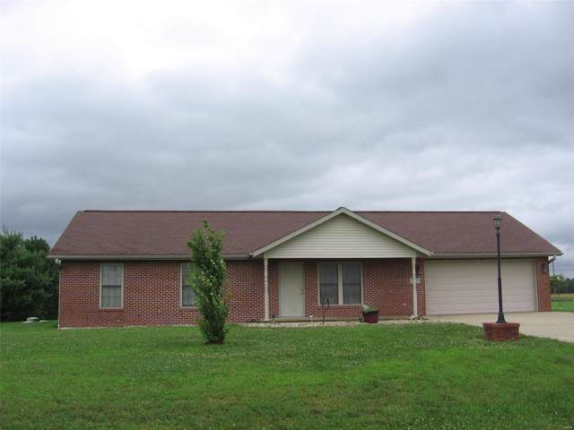 13426 Saint Peters, CARLYLE, IL 62231 (#19053810) :: RE/MAX Professional Realty
