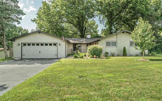10 Fawnridge, St Louis, MO 63146 (#19053892) :: The Becky O'Neill Power Home Selling Team