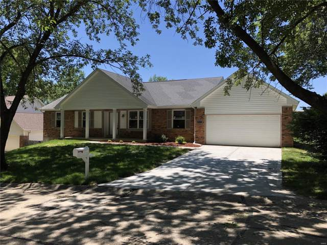 2319 Eagles Glen Court, Chesterfield, MO 63017 (#19054030) :: The Becky O'Neill Power Home Selling Team