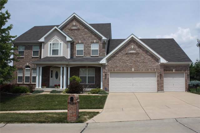 3027 Windsor Point Drive, St Louis, MO 63129 (#19054630) :: Kelly Hager Group | TdD Premier Real Estate