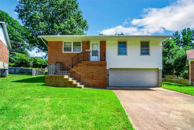 9664 Amona Court, St Louis, MO 63123 (#19056361) :: The Becky O'Neill Power Home Selling Team