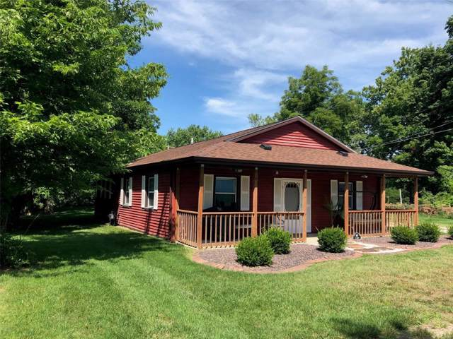 105 S Locust Street, Highland, IL 62249 (#19058792) :: RE/MAX Vision