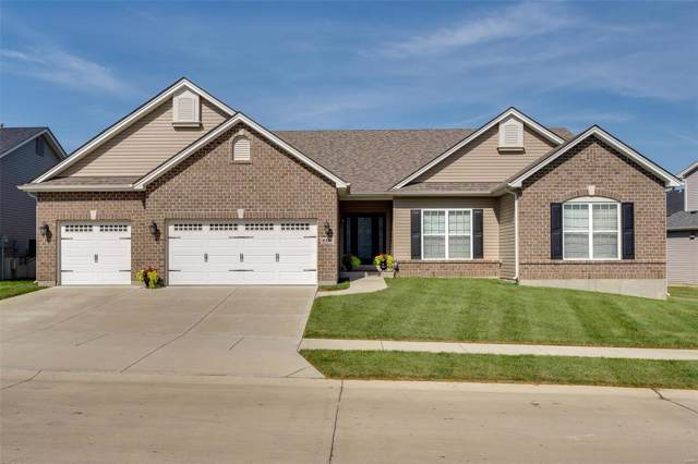 2341 De La Croix Avenue, Saint Charles, MO 63301 (#19058910) :: The Becky O'Neill Power Home Selling Team