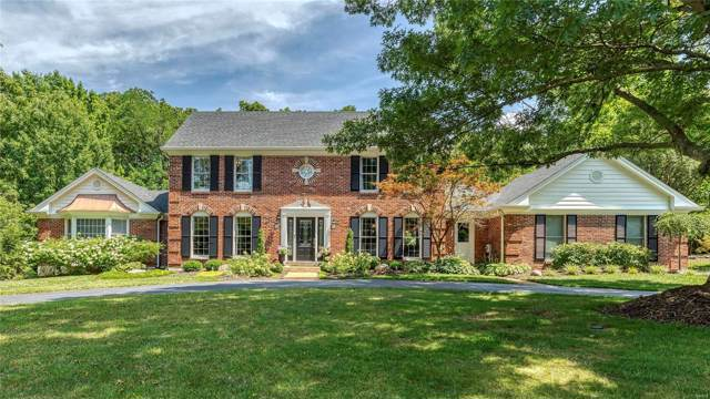 1040 Wellington Terr, Town and Country, MO 63017 (#19060275) :: The Becky O'Neill Power Home Selling Team