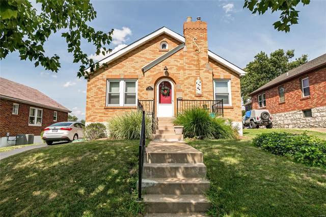 821 Karlsruhe Place, St Louis, MO 63125 (#19060833) :: The Becky O'Neill Power Home Selling Team