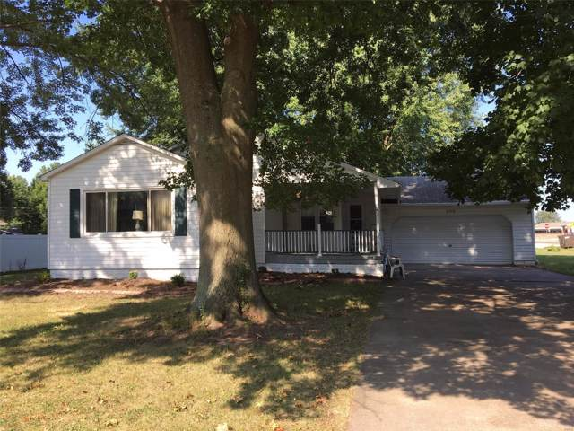 525 N Franklin Avenue, STAUNTON, IL 62088 (#19061905) :: Kelly Hager Group | TdD Premier Real Estate
