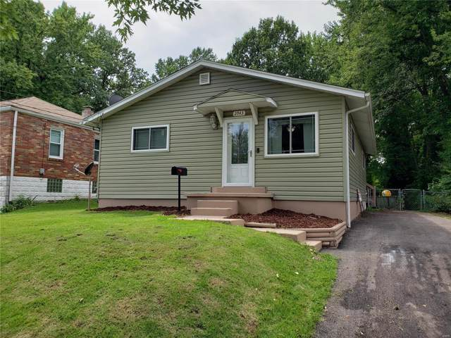 2943 Hilleman Avenue, St Louis, MO 63114 (#19061959) :: The Becky O'Neill Power Home Selling Team