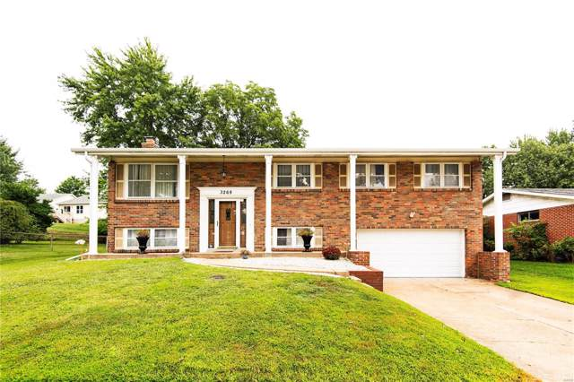 3269 Yorkchester Drive, St Louis, MO 63129 (#19062348) :: The Becky O'Neill Power Home Selling Team