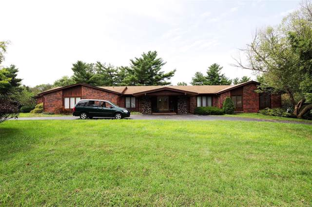 3005 Thornbury Drive, Town and Country, MO 63131 (#19062789) :: Realty Executives, Fort Leonard Wood LLC