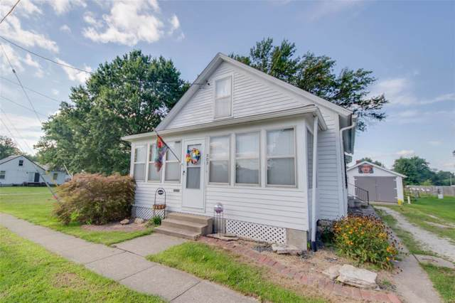 303 Fremont Street, Jerseyville, IL 62052 (#19066523) :: The Kathy Helbig Group