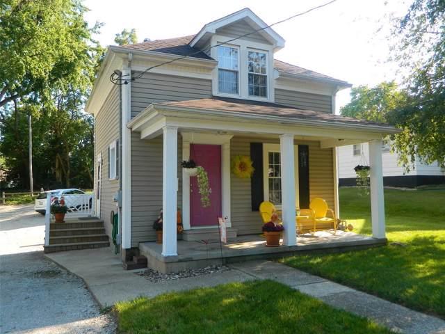 204 W Fairground Avenue, Hillsboro, IL 62049 (#19067511) :: The Kathy Helbig Group