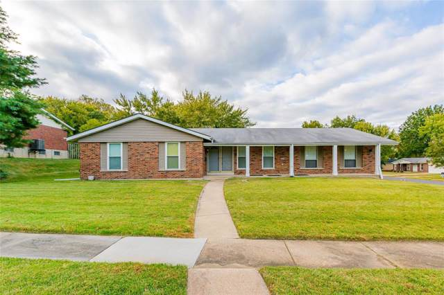 3685 Parc Chateau Lane, Florissant, MO 63033 (#19068145) :: Clarity Street Realty