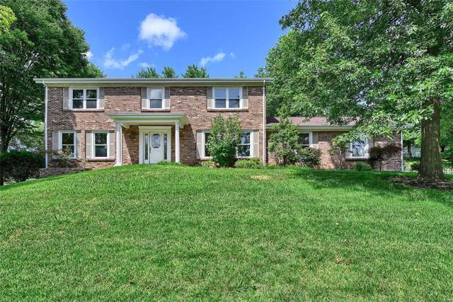 12173 Royal Valley Drive, Creve Coeur, MO 63141 (#19068830) :: The Kathy Helbig Group