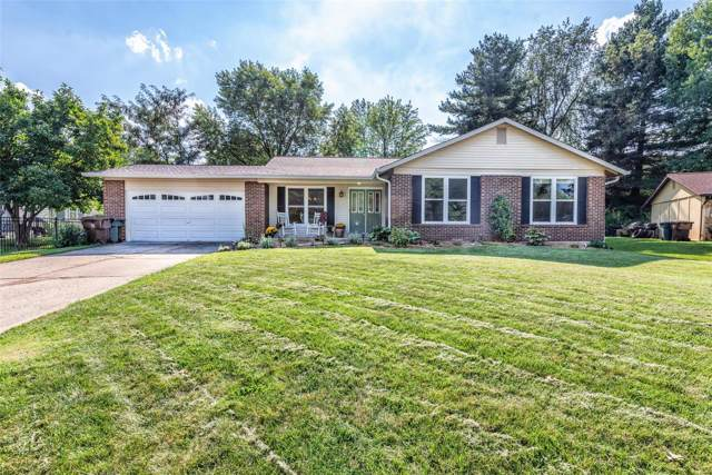 10 Greenridge Court, Saint Peters, MO 63376 (#19069416) :: Kelly Hager Group | TdD Premier Real Estate